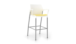 United Chair - io - IO_IO34H_ML_IS01_MG054_Angle