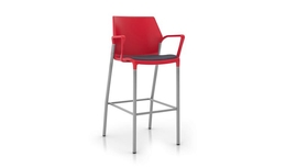 United Chair - io - IO_IO34H_ML_IS06_MG008_Angle