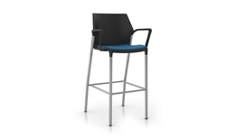 United Chair - io - IO_IO34H_ML_IS03_MG040_Angle